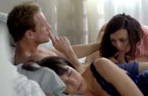 Sexo con papá en modo ¡SIGILO!, ¡no hay que despertar a mamá!
