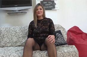 Española madura de 35 follando con un jovencito