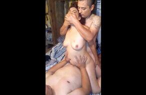 madura infiel follada por los amigos de su marido