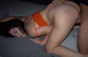 La cogen tan duro que tiene varios orgasmos seguidos
