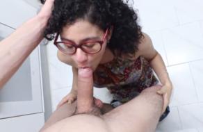 Pareja amateur española follando en la cocina