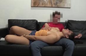 Zorrita peruana se folla a su amigo homosexual