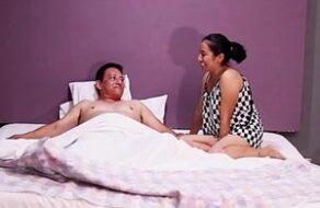 tío sobrina masaje xxx