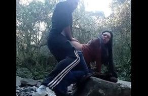 violan a una argentina en el campo